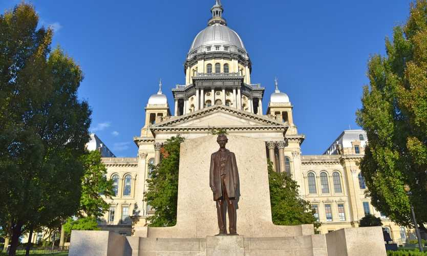 Illinois governor vetoes bill that would control comp premiums