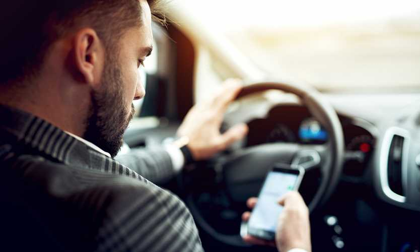Employers urged to take control of workers' distracted driving