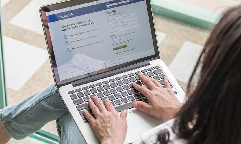 Senators demand answers from Facebook about user privacy