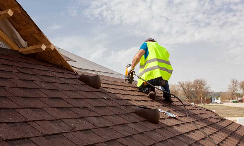 Illinois roofing contractor Gallardos Construction Services cited for exposing workers to fall and eye hazards