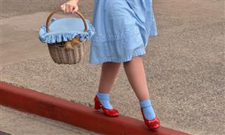 Call to ruby slippers insurer leads to crack in case Judy Garland Wizard of Oz
