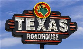 Texas Roadhouse settles EEOC age discrimination case