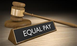 Court reinstates EEOC pay suit against insurance regulator
