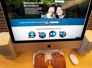 300,000 stopped paying for health exchange plans in second quarter