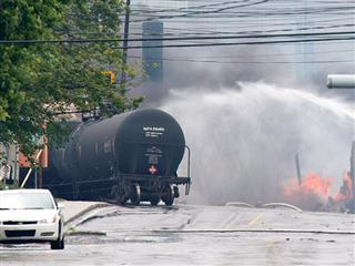 New oil train safety rules draw criticism from industry experts