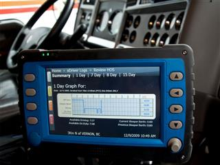 Truckers to fully commit to electronic logging while driving announced by the U.S. Department of Transportation