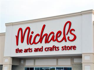 Woman seeks reinstatement of dismissed Michaels Stores hacking case stemming from 2014 data breach