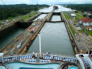 Panama Canal expansion cargo pollution risks Allianz Global New Panamax