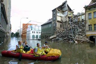 Aon Benfield floods global insured losses Thailand Central Europe North Sea U.S. Midwest