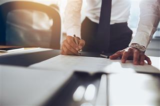 Hartford sell property/casualty insurance runoff subsidiaries Catalina Holdings UK