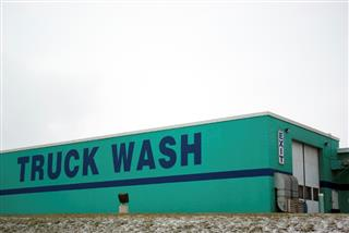 Washington state warns on danger of use of hydrofluoric acid in car washes
