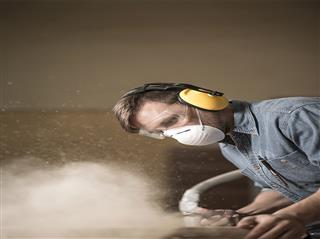 OSHA rules on silica, injury tracking set for completion in 2016