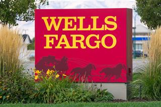 Wells Fargo executives board directors must face lawsuit over fake accounts