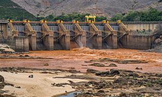 Doce River, river of mud in Minas Gerais, Brazil, after Samarco dam breach.