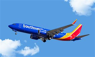 Southwest Boeing MAX 8 on approach at Chicago's Midway Airport