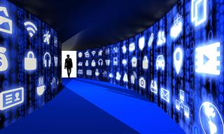 Cyber security risks rise adoption new technology Marsh McLennan survey