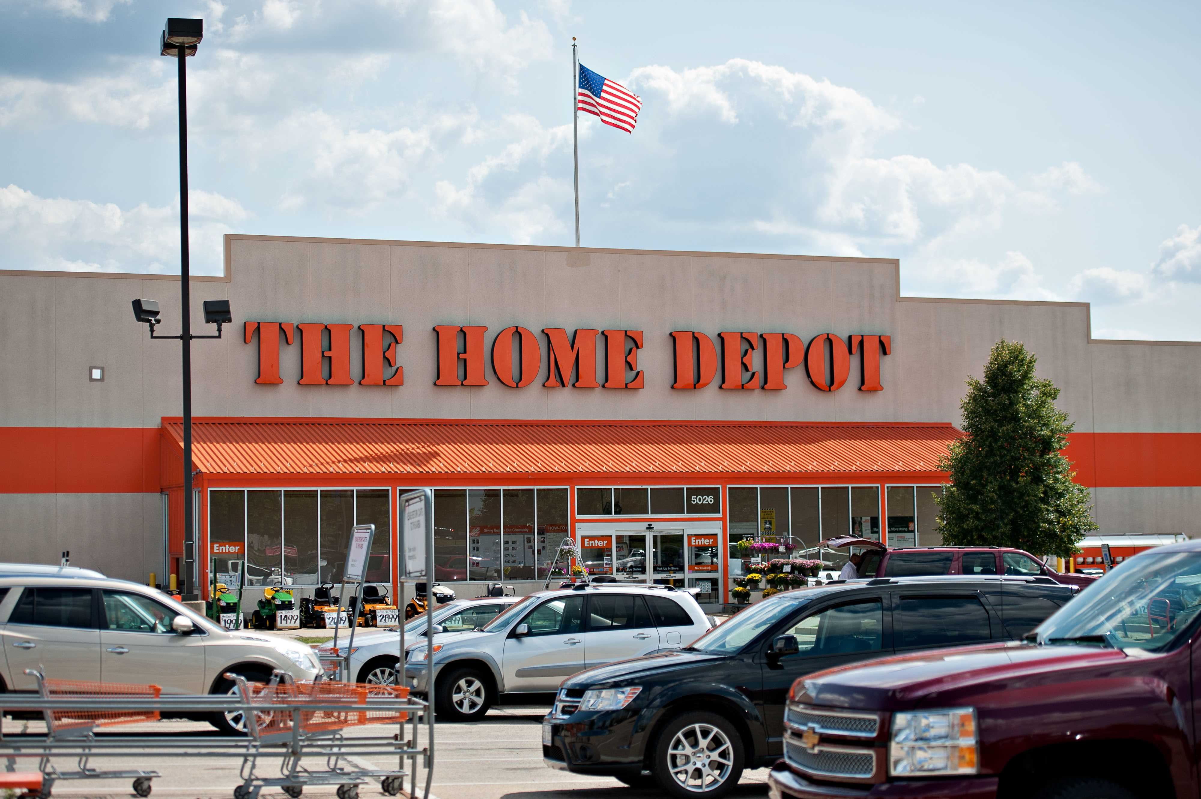 Home Depot to tap health insurance exchanges for part-timers