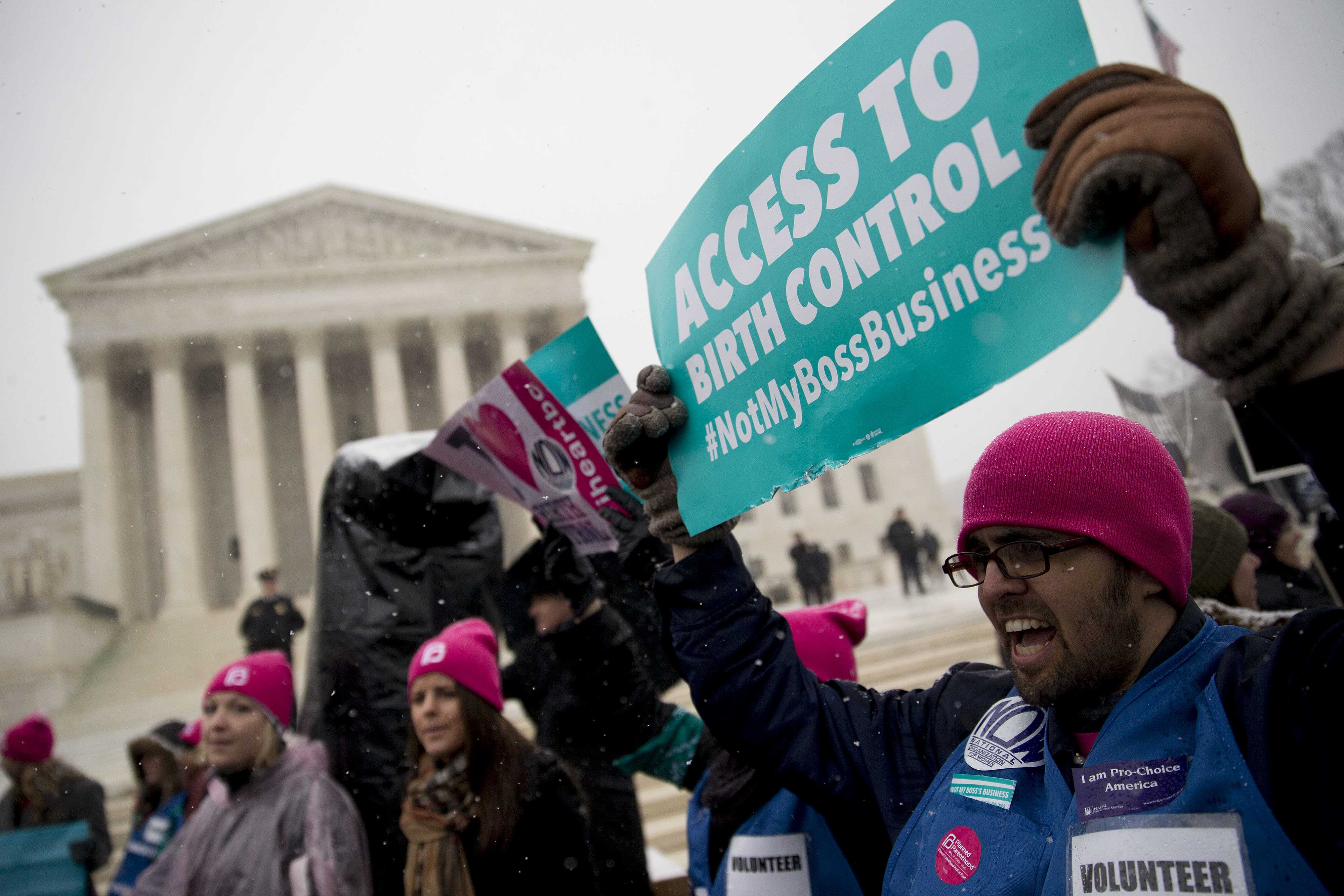 U.S. appeals court presses Obama administration on contraception