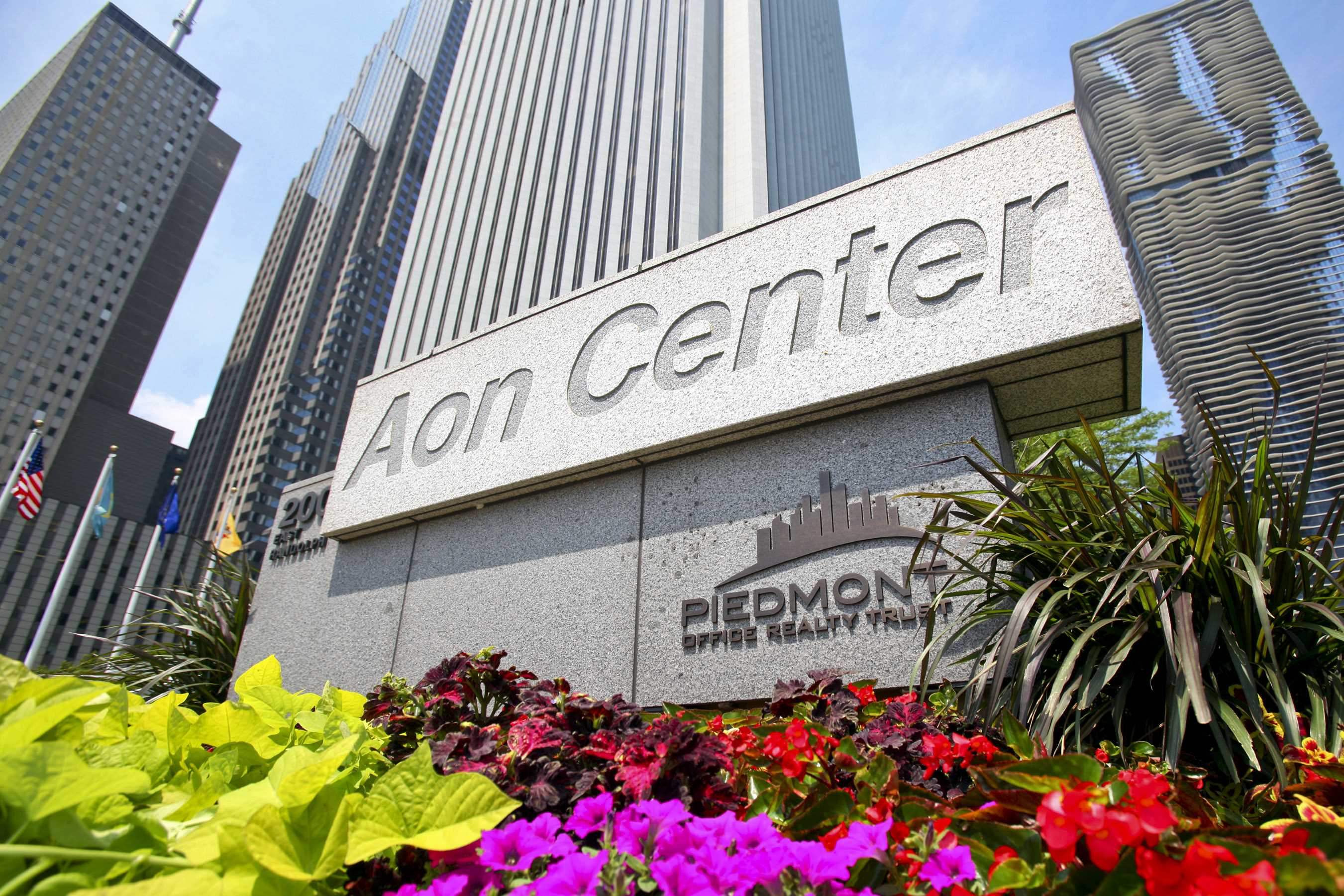 Aon shareholders approve moving headquarters to London