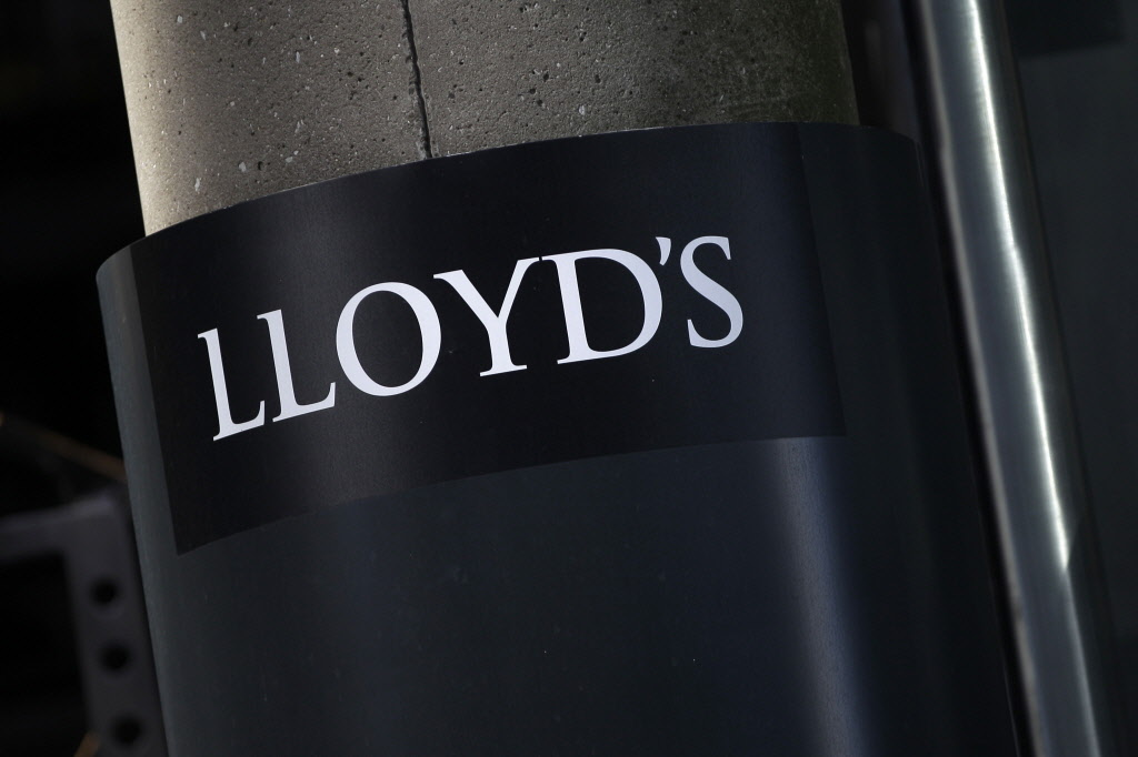 Lloyd's of London losses more than $800M in 2011