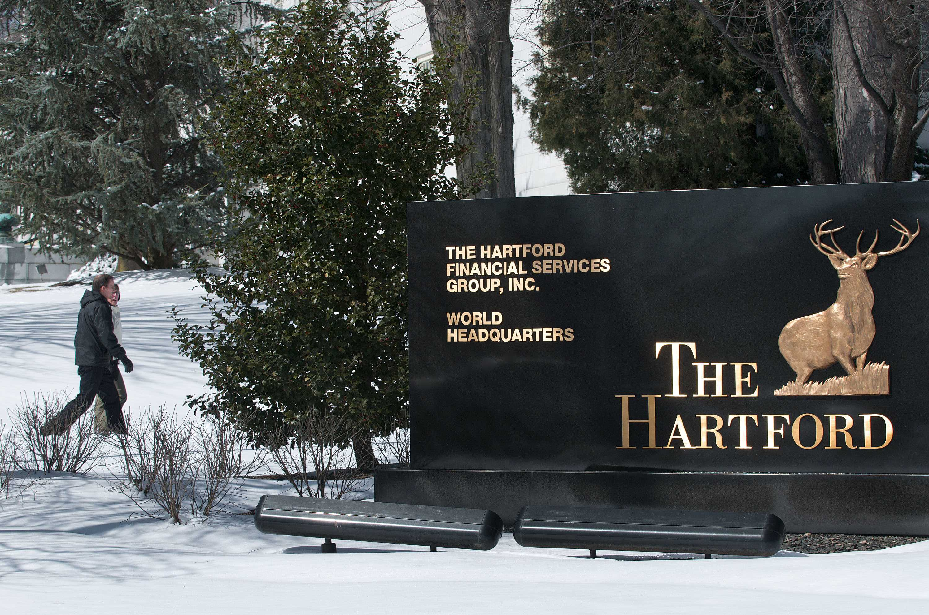 Hartford to shed individual life, retirement business