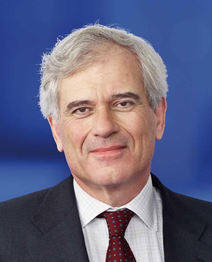 Tom de Swaan succeeds Ackermann as Zurich board chairman