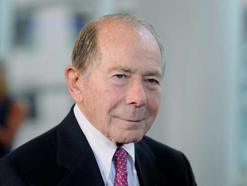 U.S. loses bid to dismiss ex-AIG CEO's $25B lawsuit over bailout