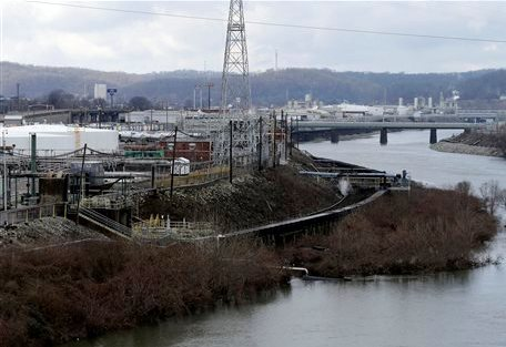 Lawsuits in chemical spill that fouled W.Va. river will target insurance