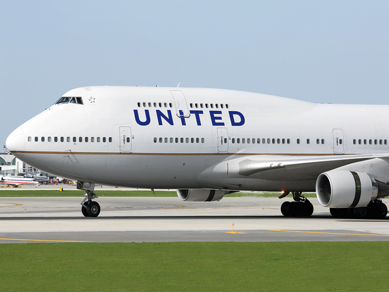 United Airlines flight attendant's race bias case reinstated
