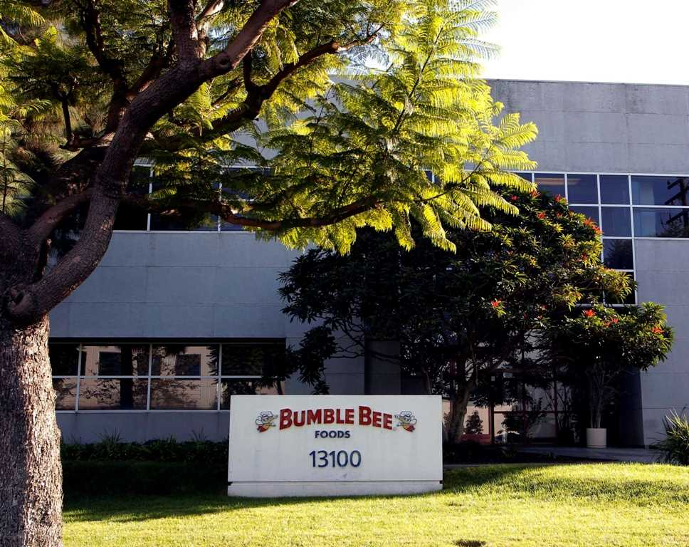 Bumble Bee pays record settlement in death of worker trapped in oven