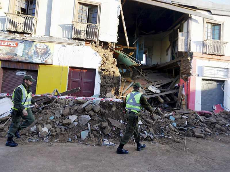 Powerful quake off Chile slams waves into coastal towns; eight killed