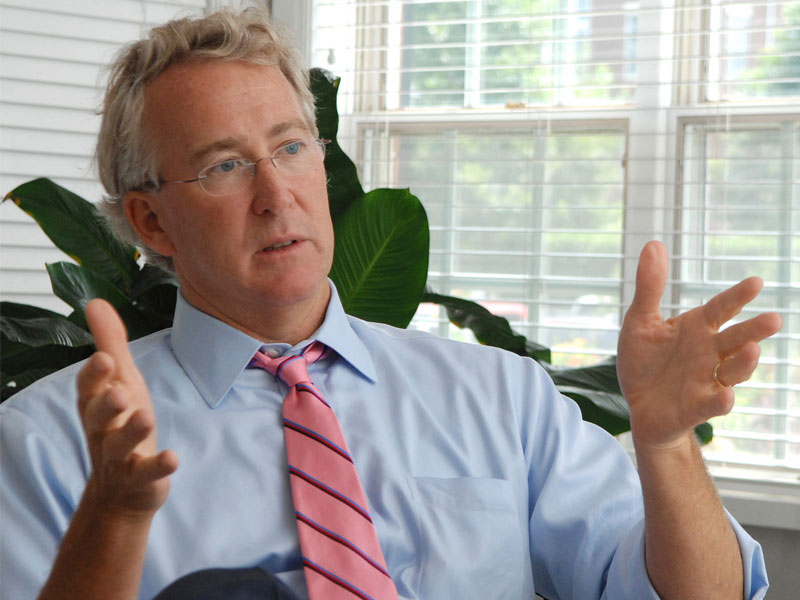 Chesapeake Energy Corp. CEO Aubrey McClendon dies in Oklahoma City car crash, a day after indictment