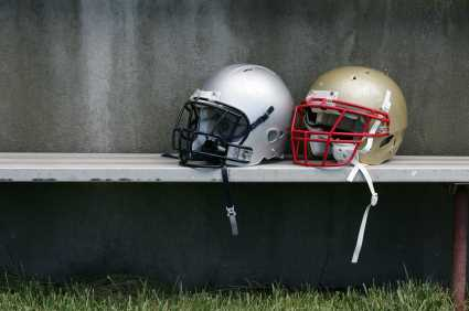Helmet manufacturer Riddell faces suit on concealed concussion risks former NFL players Pittsburgh Steelers Yancey Thigpen