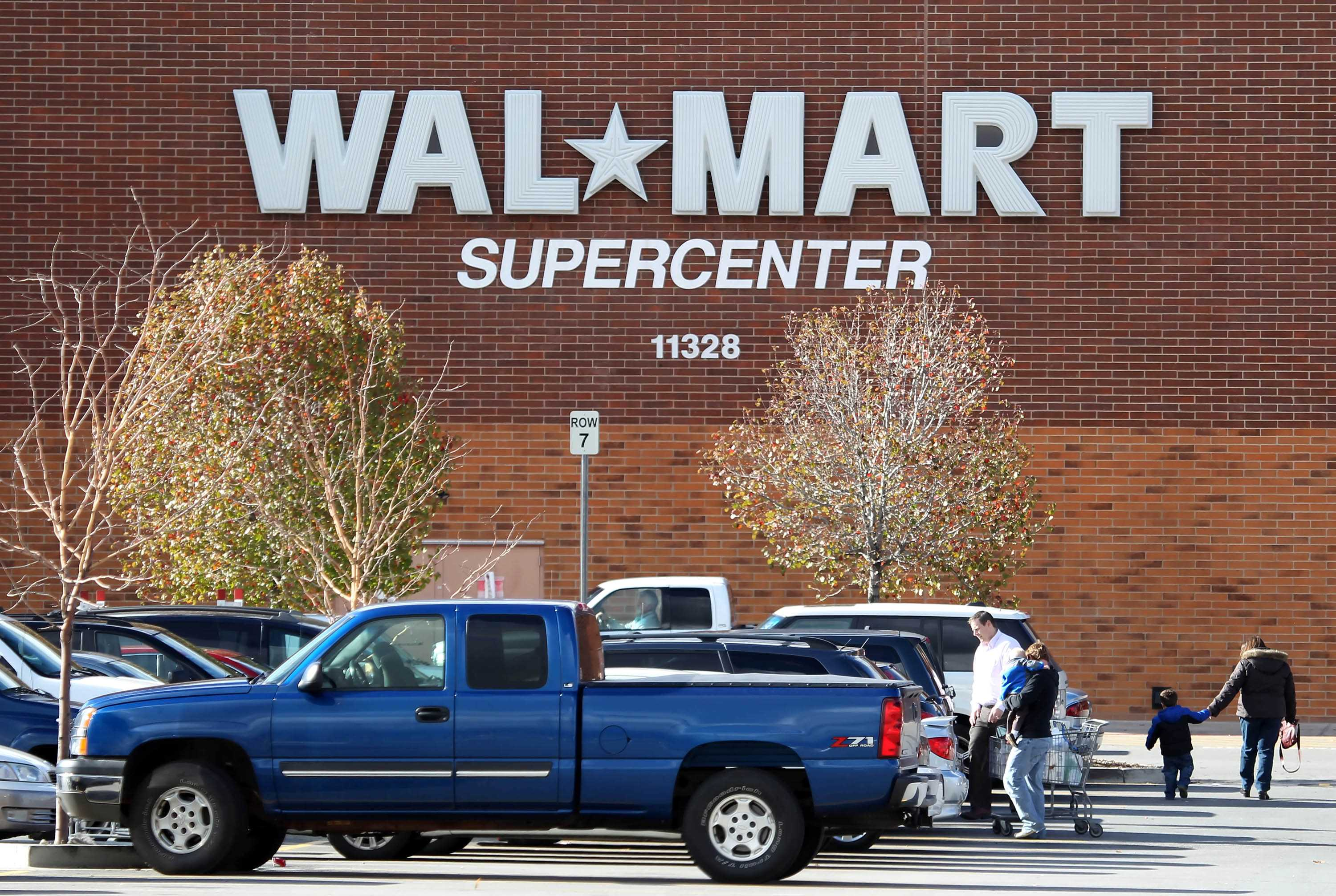 Wal-Mart faces scandal over alleged bribery in Mexican unit