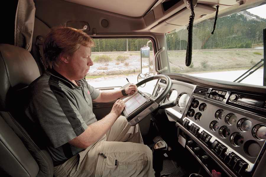 Electronic trucker logs put brakes on fatigue, speed