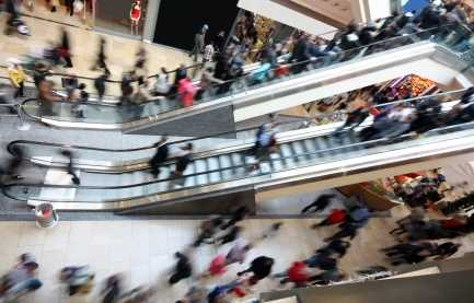 Criminal flash mobs pop up as new holiday risk