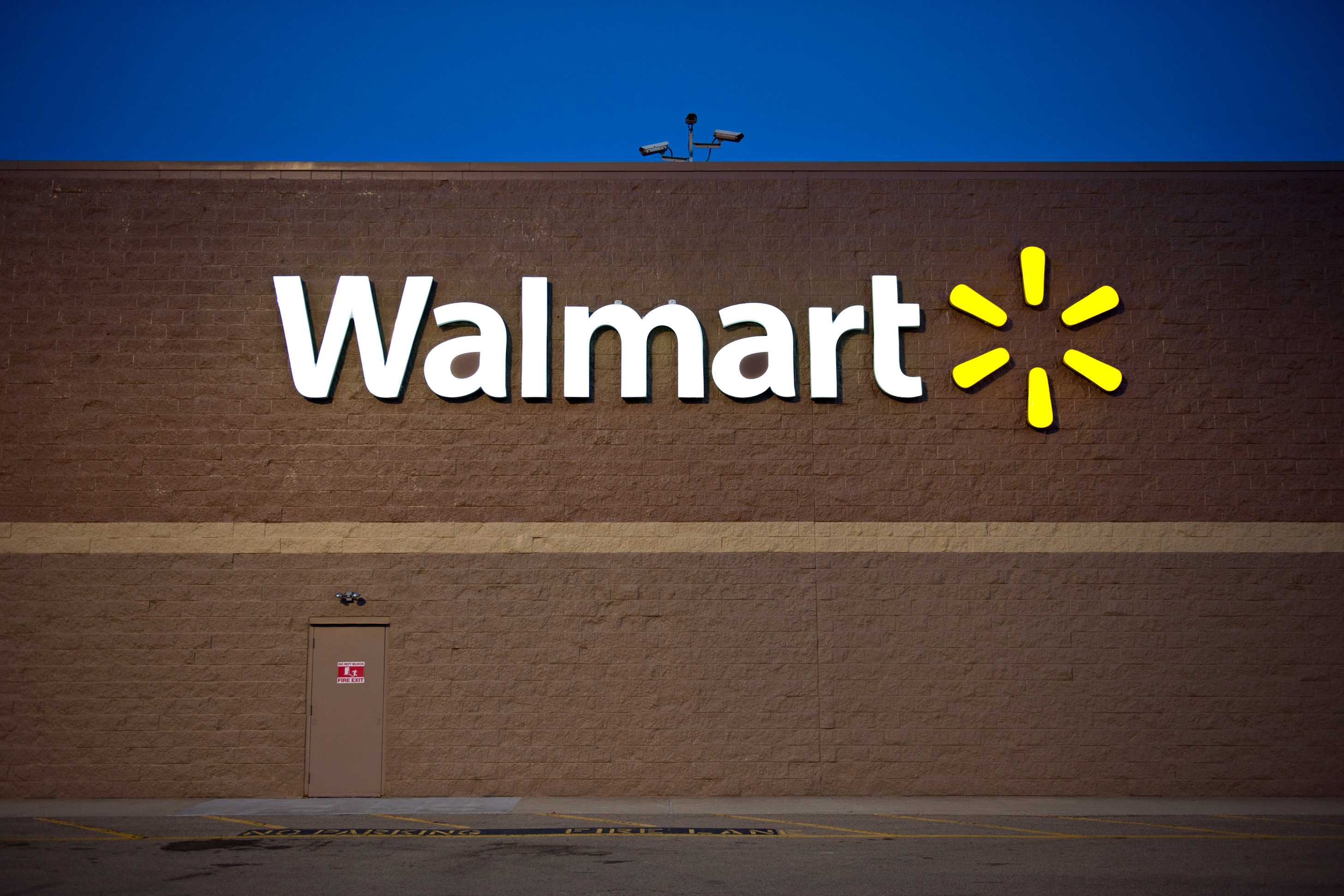 <i>Dukes</i> lawsuit against Wal-Mart in California can attempt class status: Judge