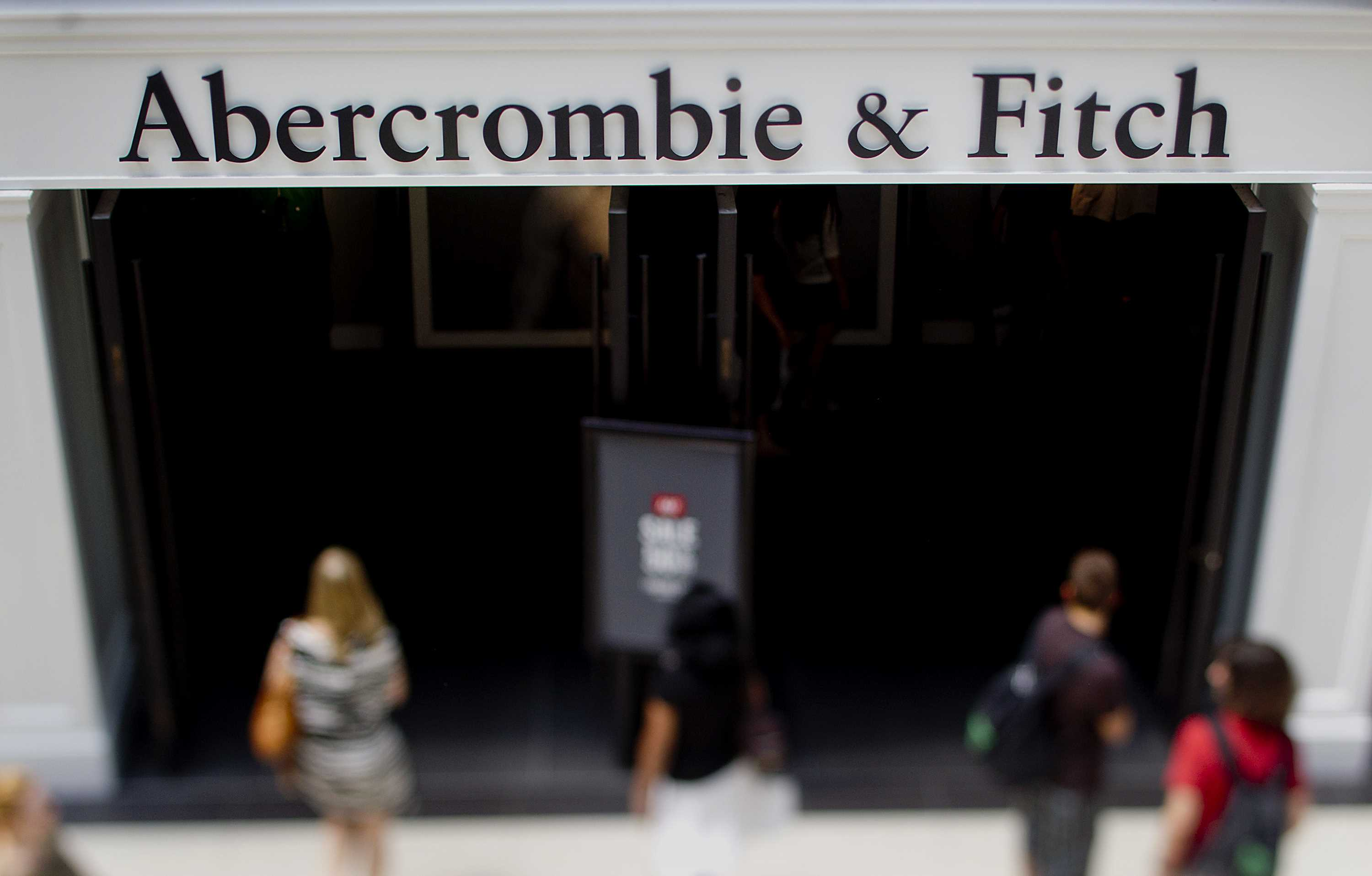 Abercrombie & Fitch settles EEOC lawsuits over Muslim headscarf policy