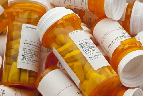 Nurse practitioners, physician assistants prescribe more opioids: Study