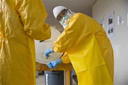 CDC tightens safety rules at U.S. hospitals treating patients with Ebola