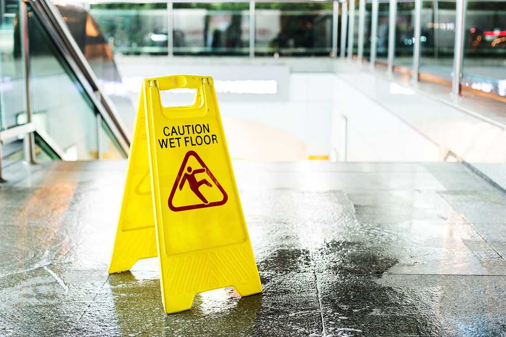 Lack of 'wet floor' sign entitles New Mexico nurse to higher disability benefits