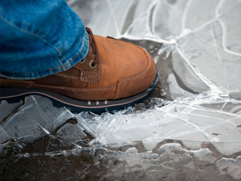 Court rules worker who slipped and fell on ice should have seen it coming