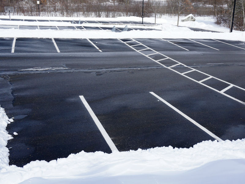 Worker injured in icy parking lot fall at job eligible for comp