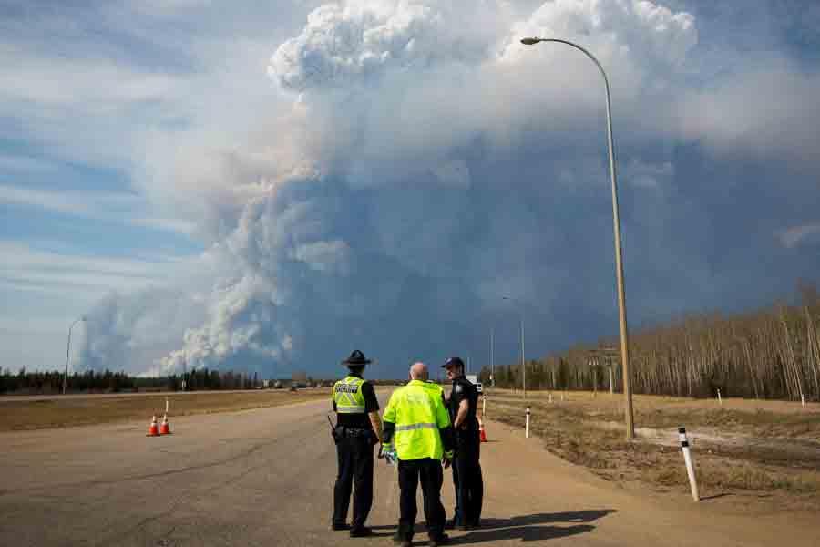 1ff359e5377 Devastating California wildfires