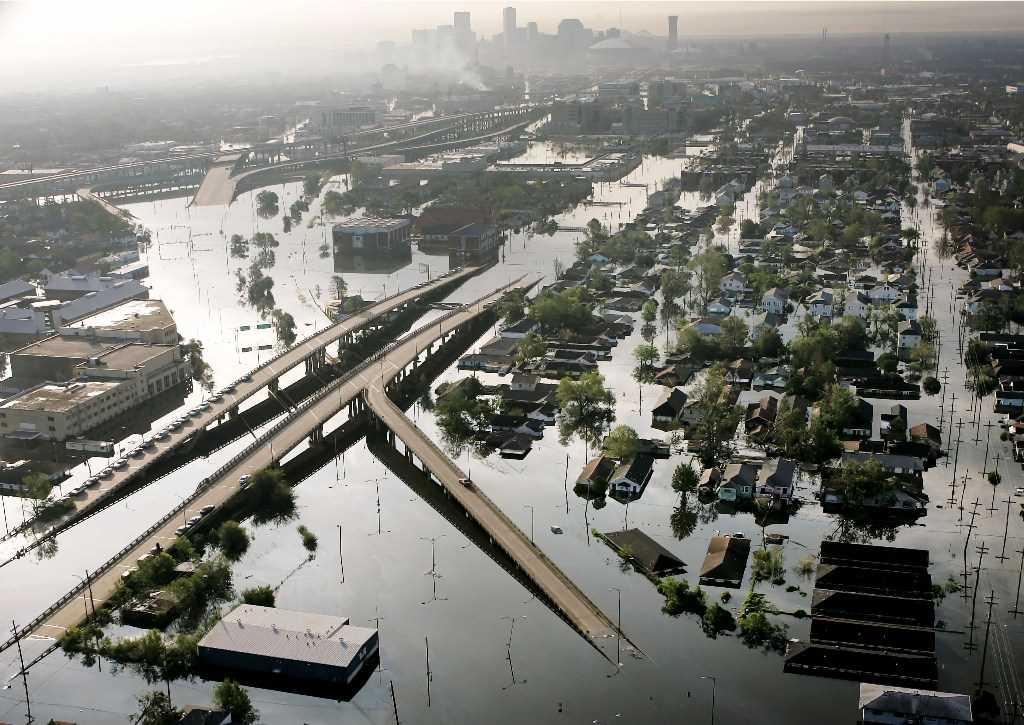 New Orleans' levees then and now