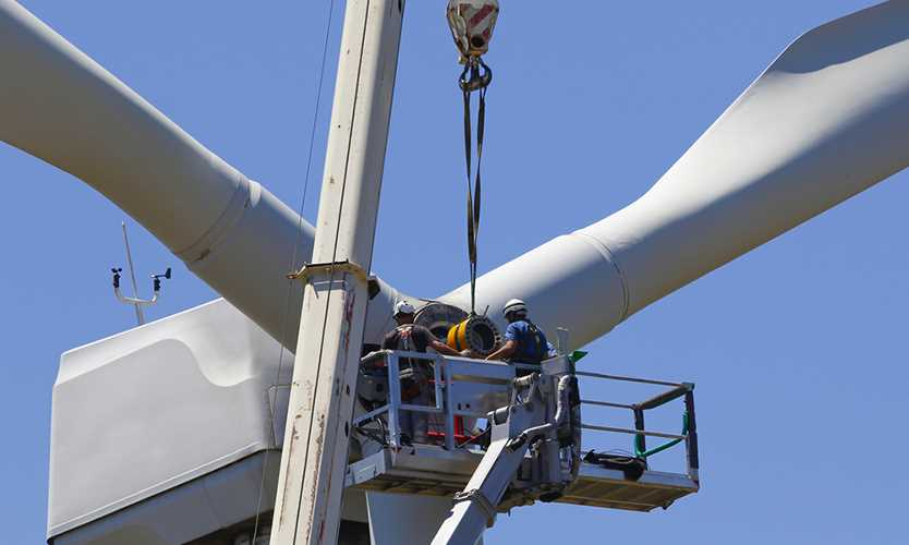 Wind turbine workers get safety standard