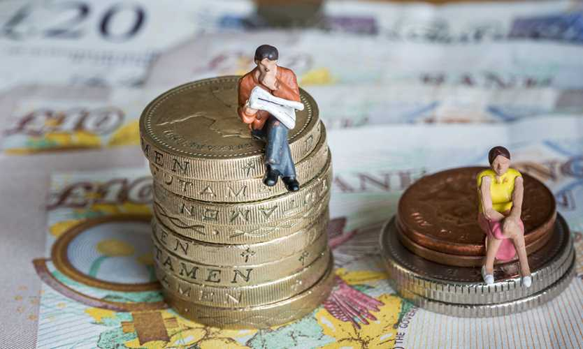Institute reports average gender pay gap of 24% in UK insurance sector
