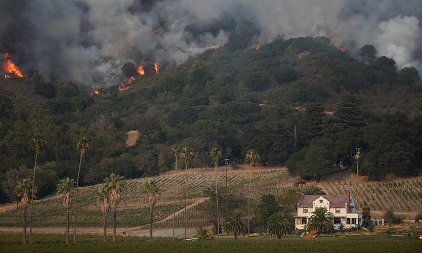 Thousands of homes at risk from Northern California wildfires