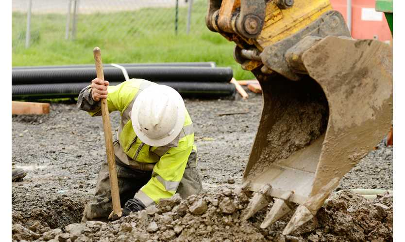 Construction workers vulnerable to struck-by hazards