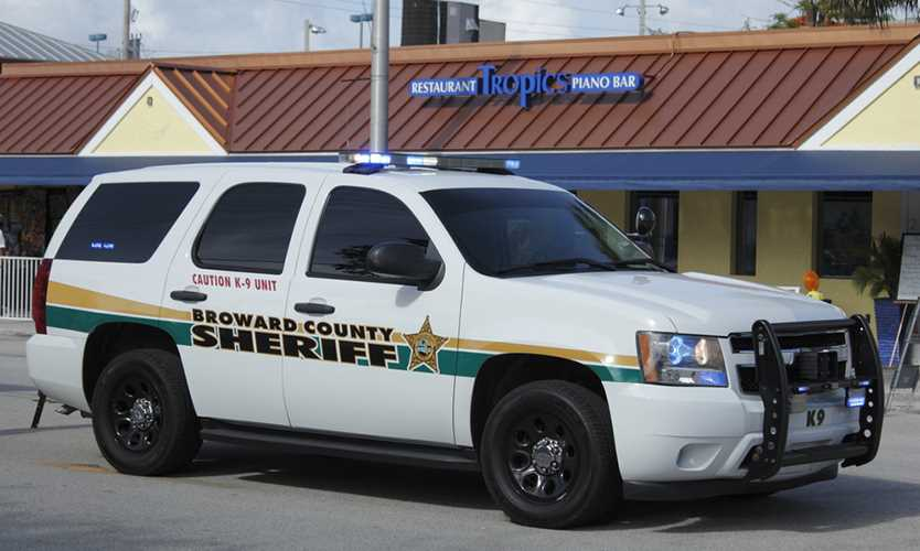 Deputy sheriff's reverse discrimination case reinstated